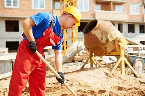 pracownik betoniarka jak wybrać betoniarkę